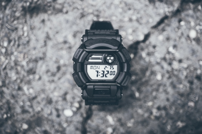 huf-x-g-shock-gd400huf-1-cracked-concrete-1